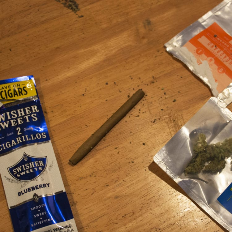 How to roll a blunt 14 Noble Farms