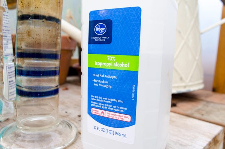 Bong Cleaning Isopropyl Alcohol